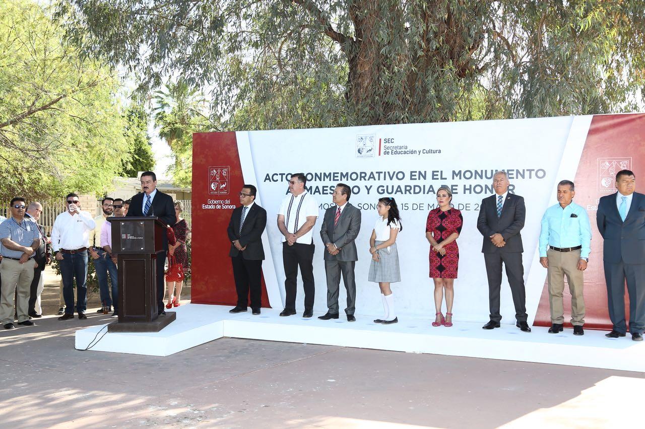 Image result for Conmemora SEC el 100 aniversario de la celebración del Día del Maestro en México